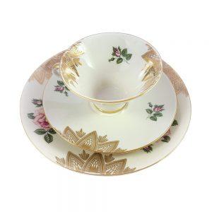 Bavaria trio fincan takımı Henna; pasta tabağı & çay fincanı ve tabağından oluşan üçlü porselen set. Retrozade - Vintage Retro Antika