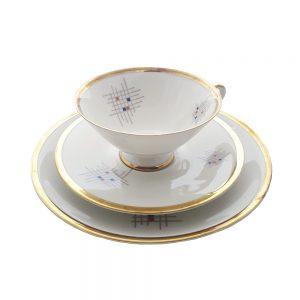 Bavaria trio fincan takımı Xox; pasta tabağı & çay fincanı ve tabağından oluşan üçlü porselen set. Altın bordürlü retro design. Retrozade - Vintage Antika