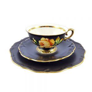 Bavaria trio fincan takımı Matte; pasta tabağı & çay fincanı ve tabağından oluşan üçlü porselen set. Mat siyahın cazibesi! Retrozade - Vintage Retro Antika