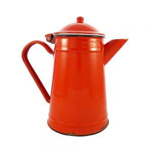 Kırmızı vintage emaye kapaklı kettle Rosso 2L kapasiteli, Ø 13cm. Dışı kırmızı içi beyaz emayedir. Vazo olarak da kullanılabilir. Retrozade - Retro Antika
