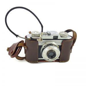 1952 sonrası Almanya üretimi, sarı filtresi & deri filtre kılıfı ve deklanşör kablosu ile Iloca Quick Fotoğraf Makinesi. Retrozade - Vintage Retro Antika