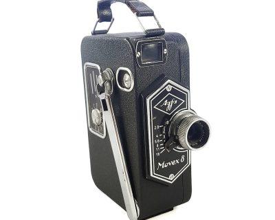 1937 ve sonrası Almanya üretimi Agfa Movex 8 8mm film kamerası. Agfa-Kine-Anastigmat 1:2.8/1.2 cm, aperture: 2.8'den 16'ya. Retrozade - Vintage Retro Antika