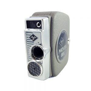1958 ve sonrası Almanya üretimi orijinal deri hard-case kılıfıyla Agfa Movex 88L 8mm film kamerası. Agfa Movexar 1:1,9 / 13 lens. Retrozade