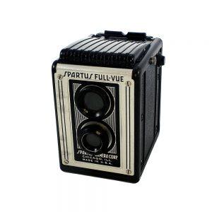 1948 - 1960 yıllarında Amerika üretimi 6x6 format Spartus Full Vue Fotoğraf Makinesi. 120 roll film ile çalışır. Retrozade - Vintage Retro Antika