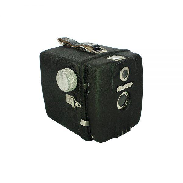 1948 - 1952 Almanya yapımı orijinal deri çantasıyla serinin ilk modeli metal Dacora Daci box fotoğraf makinesi. Meniscus f/9 lens 6x6 cm - 120 roll film
