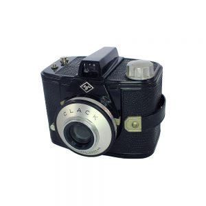 Alman Agfa Clack fotoğraf makinesi 1954-1965 yapımı built-in sarı filtre ve orijinal deri çantasıyla. 6x9 format 120 roll film kullanır. Retrozade - Vintage