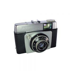 1963 ve sonrası Almanya yapımı orijinal Dacora deri çantasıyla Dacora Dignette I fotoğraf makinesi. Isco Color-Subitar 45mm f/2.8 lens 35mm film. Retrozade