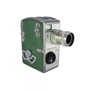 1958 - 1962 Almanya yapımı çok nadir bulunan vintage yeşil Pentaka 8B 8mm Film Kamerası. Zeiss Jena Biotar 1:2.8 12,5mm lens. Metal body 850gr.