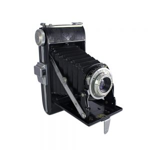 1950 - 1952 Almanya yapımı 6x9 orta format Agfa Billy körüklü fotoğraf makinesi. Agfa Agnar 105mm f/6.3 lens 120 roll film. Retrozade - Vintage Retro Antika