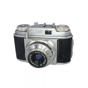 Beier Beirette 35mm film fotoğraf makinesi. Meyer Trioplan 45mm/3.5 lens. 1958'den 1980'lere kadar üretilen Beirette modelinin ilk versiyonudur. Retrozade
