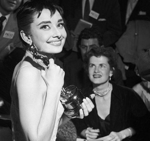 award-season-archive-1954-academy-awards-audrey-hepburn-lg