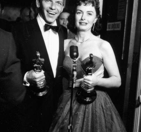 vintage-oscars-1954-frank-sinatra-donna-reed-gettyimages