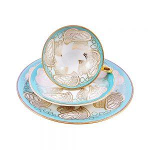 Bavaria trio fincan takımı Yaprak; pasta tabağı & çay fincanı ve tabağından oluşan üçlü porselen set. Canlı rengiyle çok farklı bir keyif!