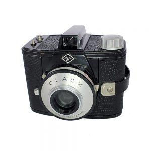 Agfa Clack fotoğraf makinesi, 1954-1965 Alman yapımı built-in sarı filtre ve orijinal yeşil çantasıyla. 6x9 format 120 roll kullanır. Retrozade - Vintage