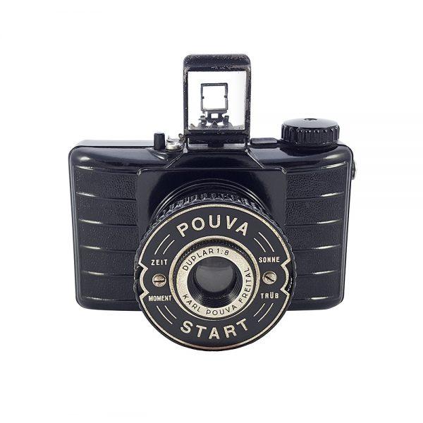 Pouva Start 1950'lerden Alman üretimi bakalit gövdeli, 6×6 format fotoğraf makinesi. 120 roll film kullanır! Retrozade - Vintage • Retro • Antika
