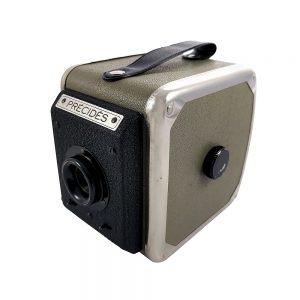 Precides 1955 Fransa üretimi 6x9 formatında çok nadir box fotoğraf makinesi. 120 roll film kullanır. Retrozade - Vintage • Retro • Antika