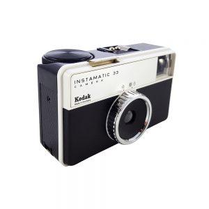 Kodak Instamatic 33 fotoğraf makinesi, 1968-1973 Alman üretimi, mükemmel kondisyonda ve orijinal çantasıyla! Retrozade - Vintage • Retro • Antika