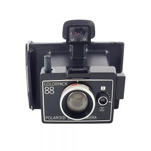 Retro Polaroid Colorpack 88 1970'lerde üretilen şipşak fotoğraf makinesi retroseverlerin gözdesi! Retrozade - Vintage • Retro • Antika