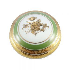 Yeşil Limoges porselen mücevher kutusu; kenarları altın işlemeli, gold gül desenli ve mükemmel kondisyonda... Şekerlik olarak da kullanabilirsiniz!✨Retrozade✨Vintage • Retro • Antika