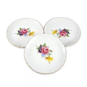 Bavaria küçük tabak set, 3 adet dantel gibi işlemeli kenarlarıyla mineli floral desenleri buluşturan, şık sunumlarınız için vintage dokunuş! ✨Retrozade✨Vintage • Retro • Antika