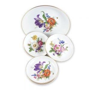 Bavaria porselen servis seti Aden ile tatlı servisini sanata dönüştürün! Floral baskılı altın bordürlü tabaklarıyla, şık sunumlarınıza vintage dokunuş! ✨Retrozade✨Vintage • Retro • Antika